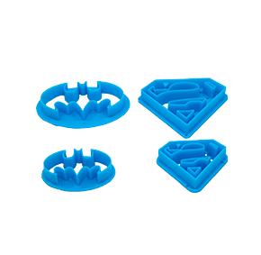 Conjunto de 4 cortadores com símbolos do Batman e Super Homem Super heroi Vingadores