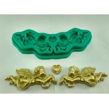 Molde de Silicone em formato de Dois Cupidos e coração. Ideal para utilizar com Pasta Americana.