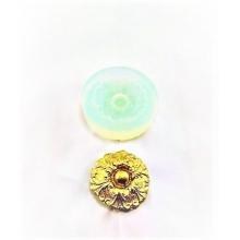 Molde de Silicone em formato de jóia de  Arabesco com Pérola no Meio. Ideal para utilizar com Pasta Americana.