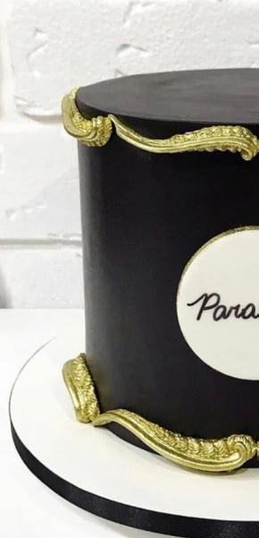 Molde de Silicone em formato de Arabescos Lamberth. Ideal para utilizar com Pasta Americana.