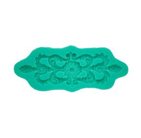 Molde de Silicone em formato de Brasão com arabescos. Ideal para utilizar com Pasta Americana.