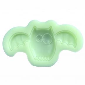 Molde de silicone em formato de morcego/halloween. Ideal para ser utilizado com pasta americana.