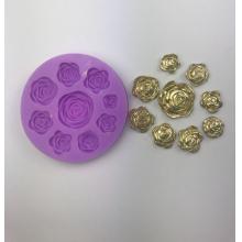 Molde de silicone com formas de rosas com 9 cavidades. Ideal para utilizar com Pasta Americana.